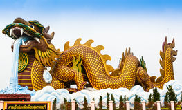 Drache groß, im März 2015 im Suphan Buri bei Thailand stockfoto