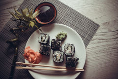 Drache rollt mit Kaviar Lizenzfreie Stockfotos