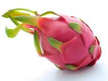Drachefrucht auf weißem Hintergrund Lizenzfreies Stockfoto