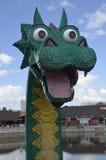 Drachekopf von legos bei im Stadtzentrum gelegenem Disney stockfotografie