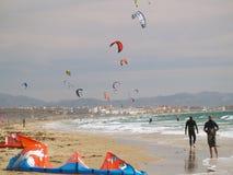 Drachen, der in Tarifa, Südspanien surft Stockfoto