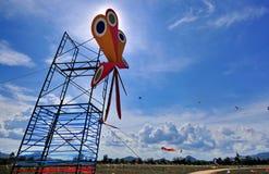 Drachen und Ballon Stockbilder