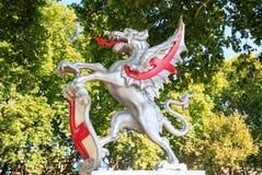 Drachen verteidigen den Eingang zur Stadt von London, 2017 Lizenzfreies Stockbild