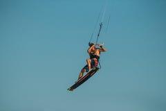 Drachensurfen lizenzfreie stockfotografie