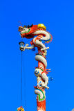 Drachestatue auf Porzellantempel Lizenzfreies Stockfoto