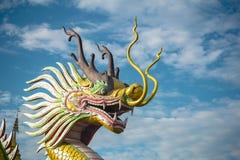 Drachestatue von Wat Huay Pla Kung Temple Chiang Rai, Thailand Stockbild