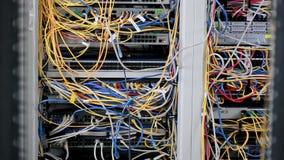 Draden binnen Supercomputer Geef landbouwbedrijf terug stock video