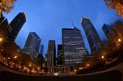Draft del NFL 2015 de los edificios de la noche de Chicago fotografía de archivo