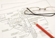 Draftings, lápis e vidros Fotografia de Stock Royalty Free