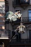 Dragão chinês da casa dos guarda-chuvas em Barcelona Foto de Stock Royalty Free