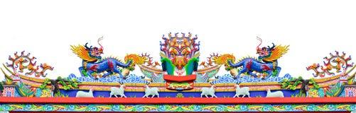 Dragão do estilo chinês e estátua dos carneiros Imagem de Stock