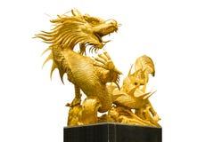 Dragón chino de oro en fondo del aislante Fotografía de archivo