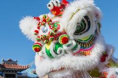 Dragón chino durante Dragon Parede de oro. Fotografía de archivo