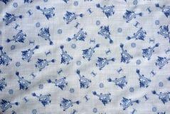 Dragón chino y los años 70 reales blanco de la tela del vintage de los símbolos y azul de nylon Imagen de archivo libre de regalías
