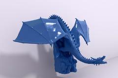 Dragón de cerámica azul del chino de la buena suerte Foto de archivo libre de regalías