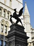 Dragón de la barra del templo de Londres Imagenes de archivo