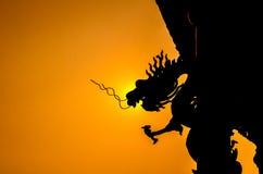 Dragón del chino de la silueta Imagen de archivo