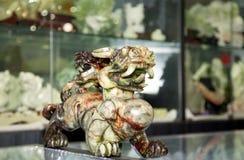 Dragón del chino tradicional en la tienda de regalos foto de archivo libre de regalías