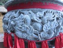 Dragón en adornos tallados de la hornilla de incienso Fotografía de archivo libre de regalías