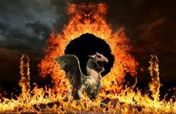 Dragón en las puertas del infierno imagenes de archivo
