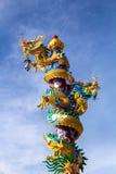 Dragón en poste Fotos de archivo