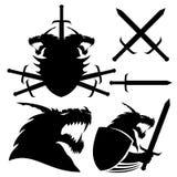 Dragón, escudo y espadas Fotos de archivo libres de regalías