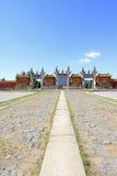 Dragón y puerta de Phoenix en las tumbas reales del este del Qing D Imagenes de archivo