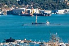 Draga do funil no trabalho no porto de Spezia do La foto de stock royalty free