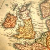 Dragen översikt för tappning hand av Storbritannien och Irland öar royaltyfri foto
