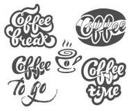 Dragen bokstäver för kaffeuppsättningen shoppar handen för restaurangen, kafémeny, Arkivbilder