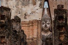 Dragningar i den Sukhothai nationalparken, Thailand: Wat Sri Chum Arkivbilder