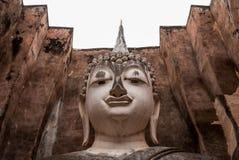 Dragningar i den Sukhothai nationalparken, Thailand: Wat Sri Chum Arkivfoto