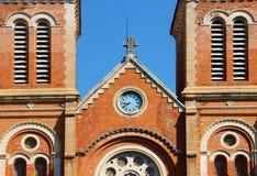 Dragningsdetalj av den Notre Dame domkyrkan, Ho Chi Minh stad Arkivfoton
