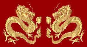 Drago dorato su fondo rosso per il nuovo anno cinese Vettore cinese del drago dell'oro illustrazione di stock