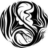 Drago stilizzato di immagine sotto forma di tatuaggio illustrazione di stock