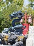 Drago verde 100% sembrante arrabbiato di Lego al parco di divertimenti di Aventura del porto, Spagna Fotografie Stock Libere da Diritti