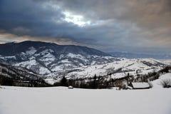 dragobrat横向山乌克兰冬天 免版税库存照片