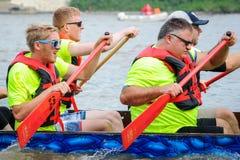 Dragon Boat Race Arkivfoton