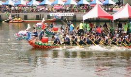 Dragon Boat Races i Taiwan Royaltyfri Bild