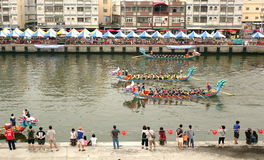 Dragon Boat Races i Taiwan Arkivbilder