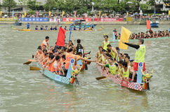 Dragon Boat Racing en Hong Kong 2013 image stock