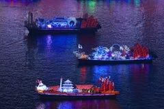 Dragon Boats auf dem Pearl River in Guangzhou China stockbilder