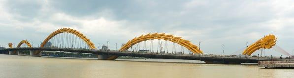Dragon Bridge Da Nang, Vietnam lopp Arkivfoto