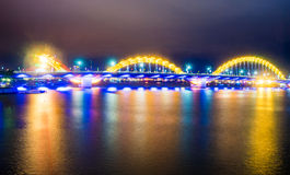 Dragon Bridge dans la ville de Danang Photos stock