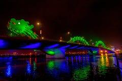 Dragon Bridge på natten Royaltyfri Foto