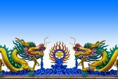 Dragon Chinese no telhado imagem de stock