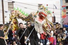 Dragon chinois 11 de défilé d'an neuf Image stock