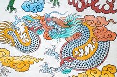 Dragon chinois coloré dans le temple, Thaïlande Photo libre de droits
