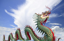 Dragon chinois géant chez WAt Muang, Thaïlande Photographie stock libre de droits