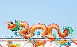 Dragon chinois sur le ciel Images stock